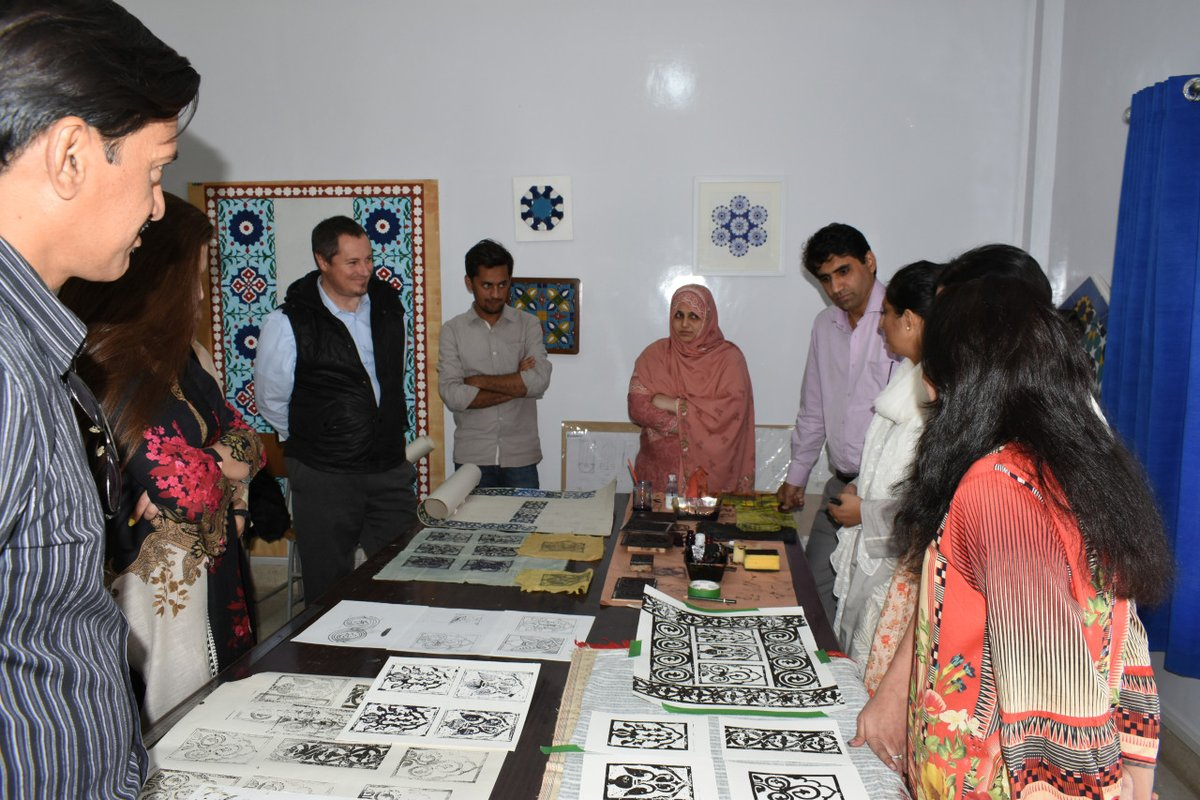 School Of Traditional Arts A Twitter Students At Our Centre In Karachi Recently Completed Assignments And Group Projects On Local Designs The Designs And Forms Designs And Forms Were Analysed And Then