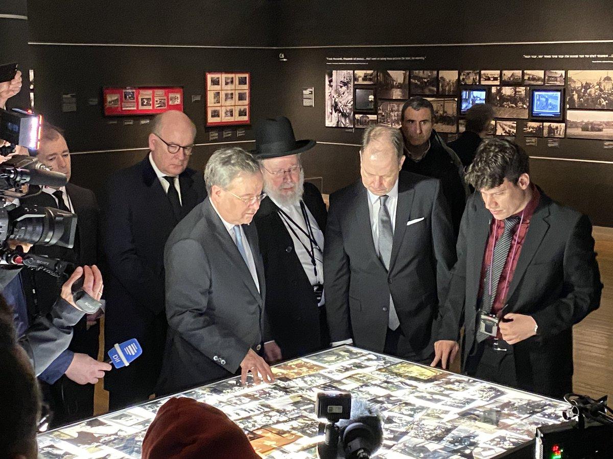 """Mit @ArminLaschet und @JoachimStamp in Yad Vashem - """"Die Sicherheit von Juden in Deutschland ist Staatsräson"""" https://t.co/6jm1KPvbjy"""