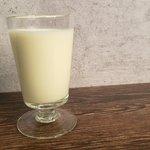 牛乳がすぐになくなってしまう!?「飲むレアチーズケーキ」の作り方!