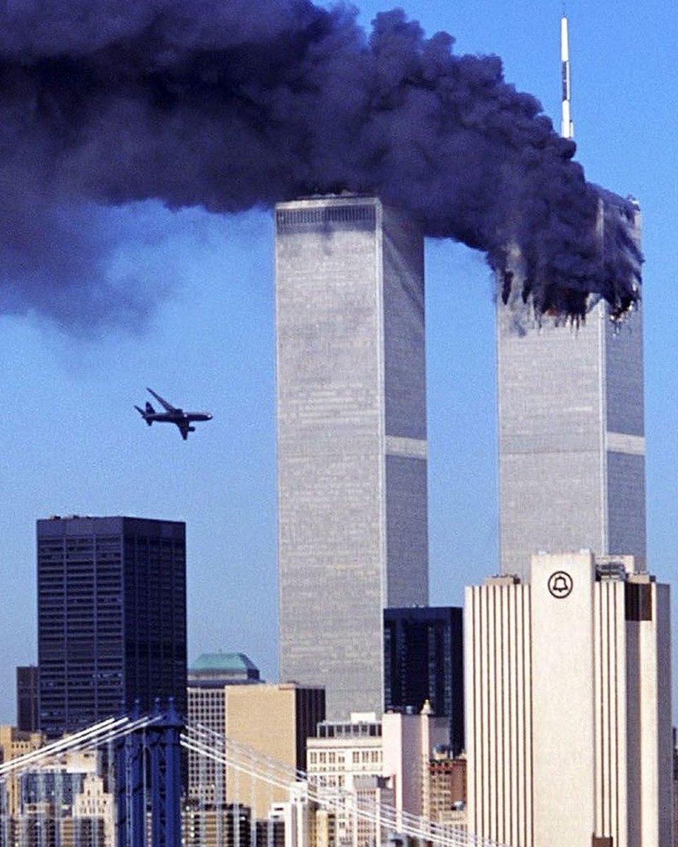 Conoce la historia de uno de los cuatro aviones ✈ secuestrados por el grupo #terrorista el #11DeSeptiembre. No te pierdas #Vuelo93 hoy a las 10:50PM 🇲🇽/🇦🇷/🇨🇱, 8:50PM 🇨🇴 y 9:50PM 🇻🇪 por A&E. #AEMovies https://t.co/Hxu3cYCbpz