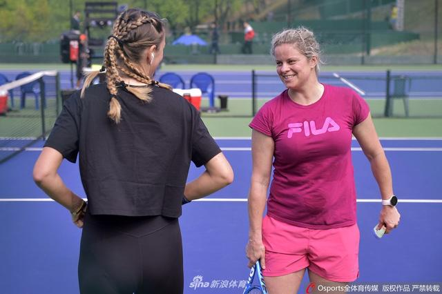 KIM CLIJSTERS - VIDEOS ET/OU BIO - 2 - Page 26 ESCgkT8XUAAGqfn?format=jpg&name=small