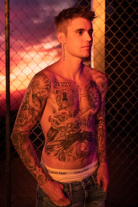 Happy Birthday to the strong and sexy Justin Bieber