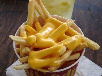 Cheese fries... I'll take them all https://t.co/pVWMOPdhl6