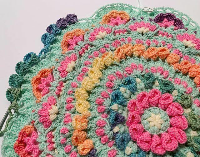 More Tulips! 🌷🌷🌷 #crochet #yarn #钩边 #haken #钩针编织 #hækling #πλέκω #סרוגה #tejer #crochettulip #tulip #crochetalong #patreoncrochet https://t.co/u3rrXzSedO https://t.co/GvsxMUyHvz