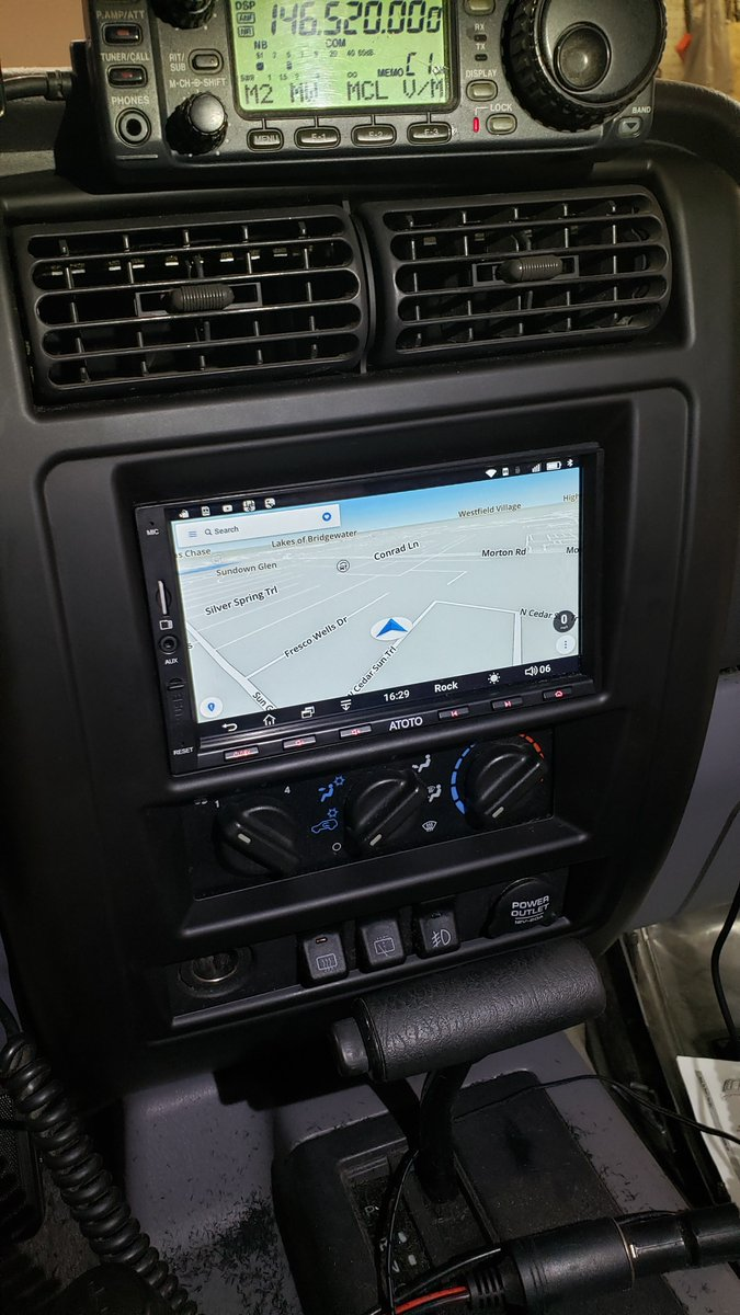 Jeeptalkshow On Twitter Double Din Android Head Unit Installed With That Factory Look In A 1998 Jeep Cherokee Xj