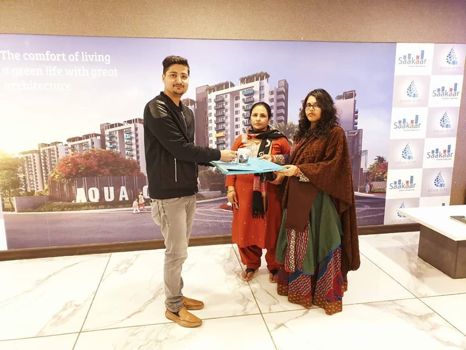 There are lots of new memories waiting to come inside, as you open the doors of your new home. Best wishes to you and your family as you move into your new home.  For more information http://www.saakaar.com/aquacity . sales@saakaar.com  #newhome #dreamhome #saakaar #aquacity pic.twitter.com/bRFuWhyg9N