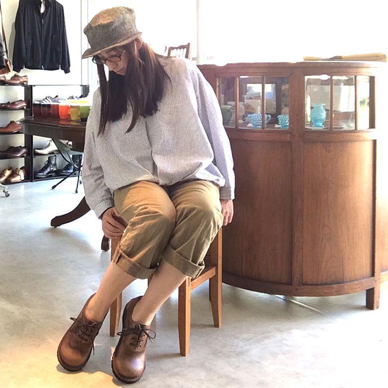 お待たせしました!おでこ靴職人ヒラキヒミ。オーダーシューズの注文再開いたしました。さらにサンダル新色3種、革靴1種が新たに追加されました。  マメチコネットショップ 今月の新作・新入荷はこちら https://mamechico.jp/?mode=grp&gid=164887…  #ヒラキヒミ #おでこ靴 #オーダーシューズ pic.twitter.com/QG8faG332F