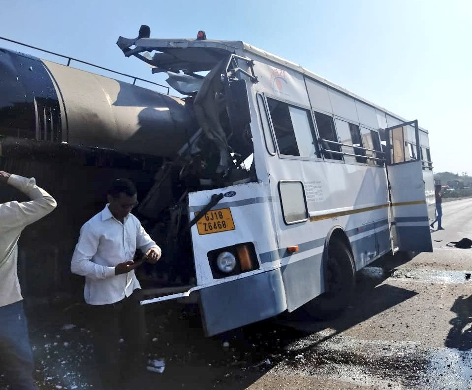 At least 7 dead, over 20 injured in accident involving 3 vehicles including ST bus on national highway in Tapi district