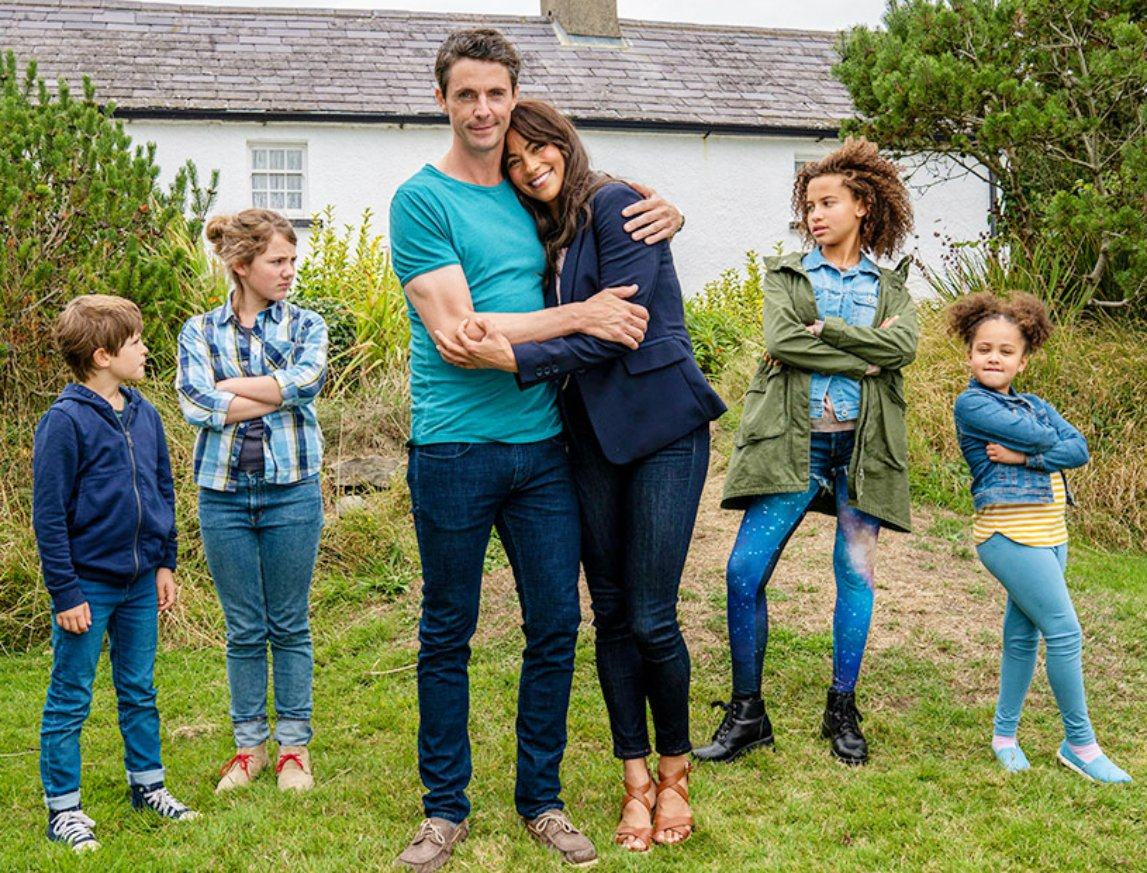 """Rosalyn51 on Twitter: """"❤️😃🐣 a movie #MatthewGoode can bring his 3 kids to  see! #FourKidsAndIt 📖✨ Expect tie-in book April 28, 2020!  (https://t.co/vNyxPf3GW5 by author Jacqueline Wilson)…  https://t.co/B3JqkRvldS"""""""