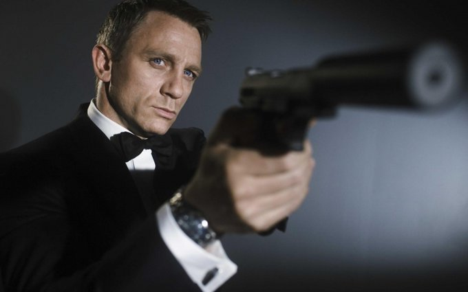 Happy birthday, Daniel Craig! Today the English actor turns 52 years old, see profile at: