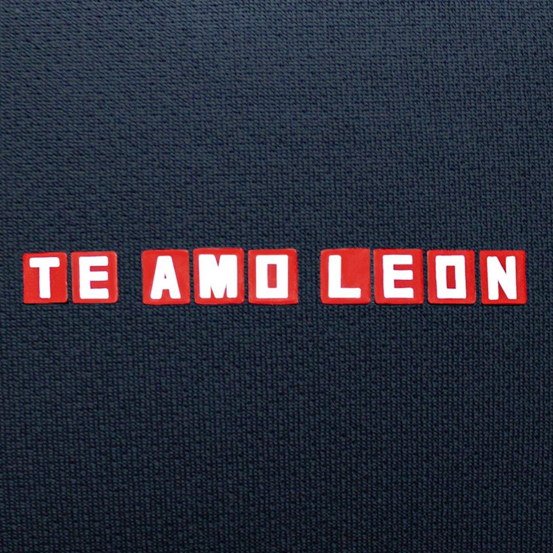 La tercera camiseta de @SantaFe está cerca! 🦁👀 . . . #UmbroColombia #IndependienteSantaFe #Umbro #UmbroFutbol https://t.co/DsCLdcxLDp