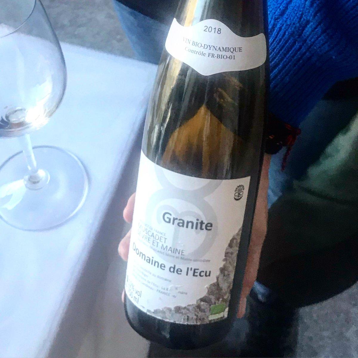 We tested the biodynamics of Domaine de l'Ecu. Mineral freshness of the Loire, France.  https://www.decantalo.com/en/wine/winery_domaine-de-lecu/…  #vilaviniteca #wine #winelover #loira @vilaviniteca #lamusicadelvi #frenchwine #biopic.twitter.com/TrjyipVJjq