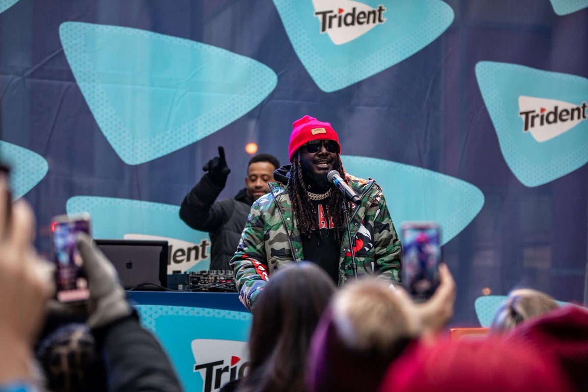 Guess who turned up to turn it up for commuters in Chicago! Thanks @Trident #ChewThrough