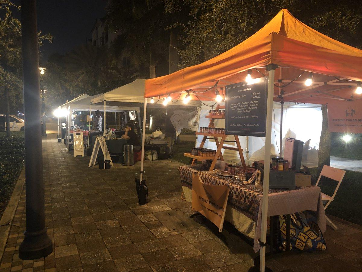 We're at the #foodinmotion night market in our bright orange tent every month. 2nd Fridays 5-11pm. Peter Feldman Park, Fort Lauderdale. #FATVillage #foodtrucks #artisanmarket #freebeer #nightmarket #FortLauderdale #curry #chaat #farmersmarket #culinaryartistspic.twitter.com/I0x9UQgtgK