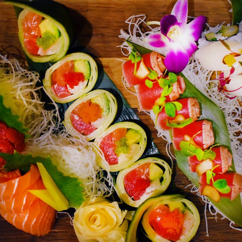 3月3日は雛祭り。ちらし寿司を楽しむ節句にちなんで、MGMリゾーツのIRでお寿司が食べられるレストランをご紹介します。 「New York-New York」(@NYNYVegas)の「Chin Chin Cafe & Sushi Bar」や「ARIA」(@AriaLV)の「CATCH」では、華やかな空間の中、目にもおいしい食事をお楽しみいただけます。