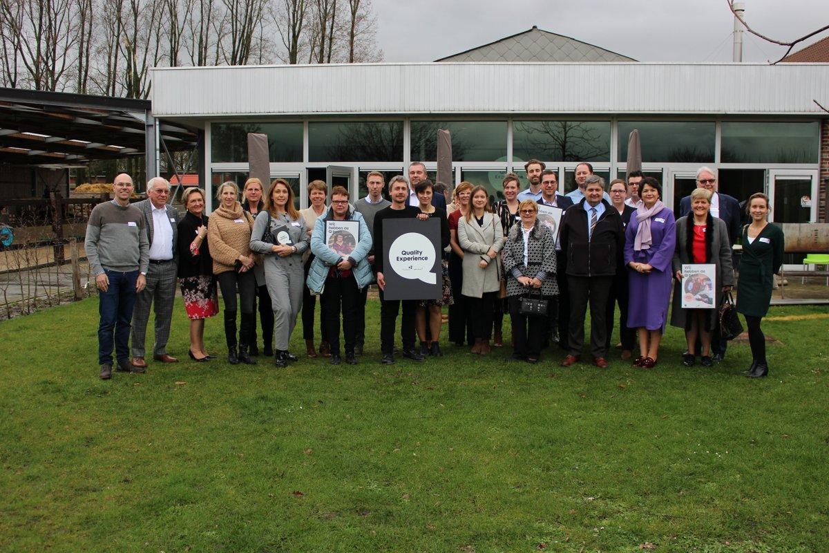 Al 10 jaar gaan we voor kwaliteit bij toeristische organisaties in #westvlaanderen. Meer dan 300 West-Vlaamse organisaties kregen het #Qlabel. Ze staan garant voor een kwalitatieve beleving. Ook het onthaal van @Westtoer kreeg gisteren officieel het q-label overhandigd #congrats https://t.co/xLF3IRPIAN