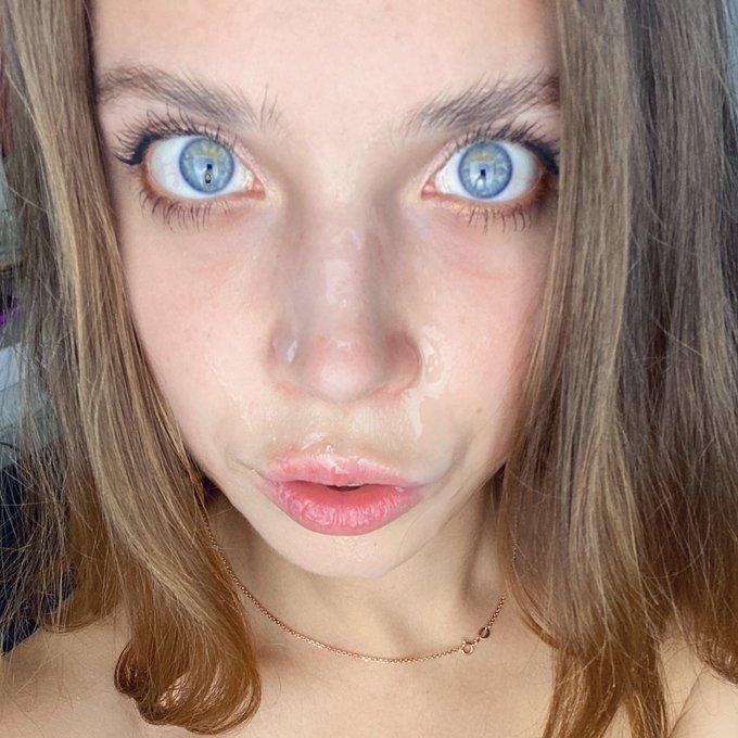 1 pic. I love facial 🥰 https://t.co/FkBllakLa8