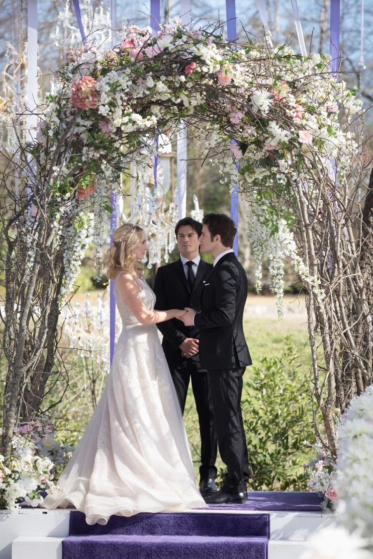 Mr. and Mrs. Salvatore  Stefan/Caroline Salvatore #steroline3yearsweddingday #StefanandCaroline #steroline @paulwesley @CandiceAccolapic.twitter.com/3w606FAi2X