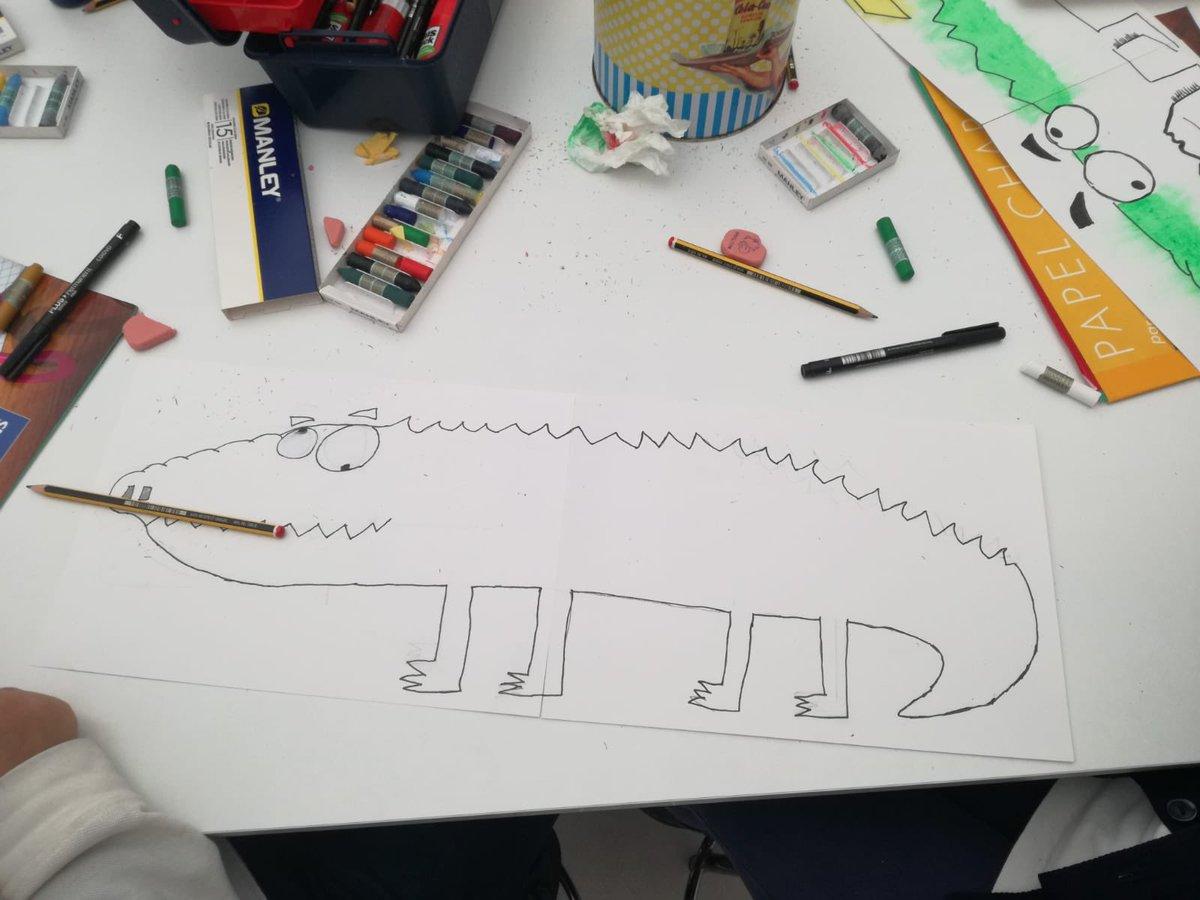 """Otro año más los chicos de Quinto han disfrutado de un maravilloso taller de ilustraciones gracias al """"artistazo""""Salah de la fundación mensajeros de La Paz Melilla @Padre__Angel . https://t.co/x8ICad4ZTy"""