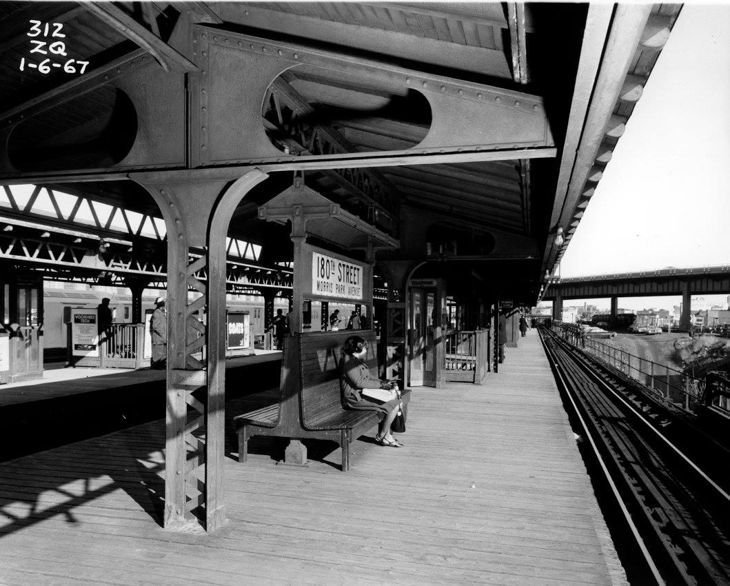 Download E 180 St Station Gif