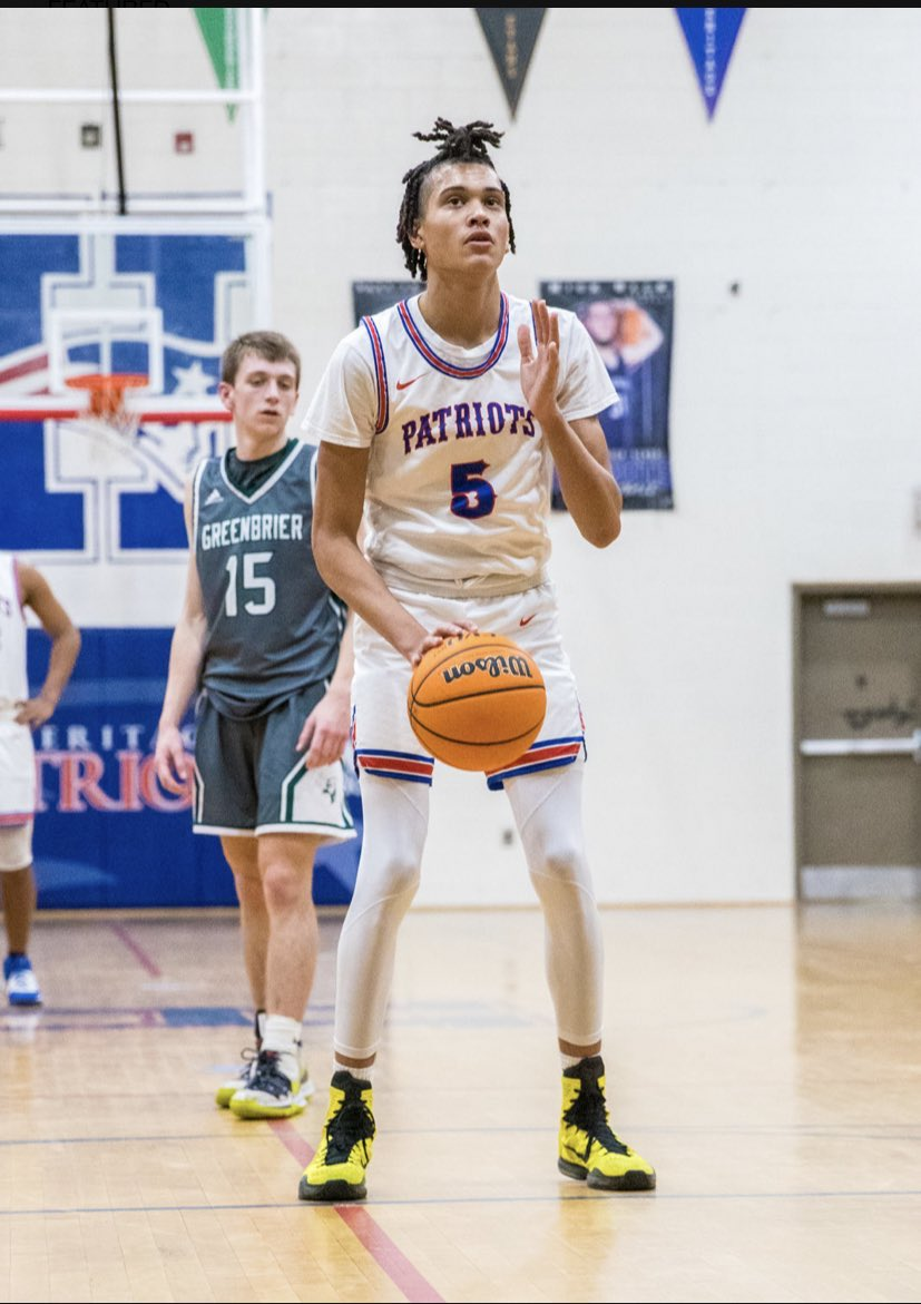 2021 guard James White (@jwdub05) will be at #Auburn tomorrow night for a visit. Averaged 25 per game this year for @HHSCONYERSHOOPS. Recently visited #Clemson. https://t.co/2nWztx5W0W