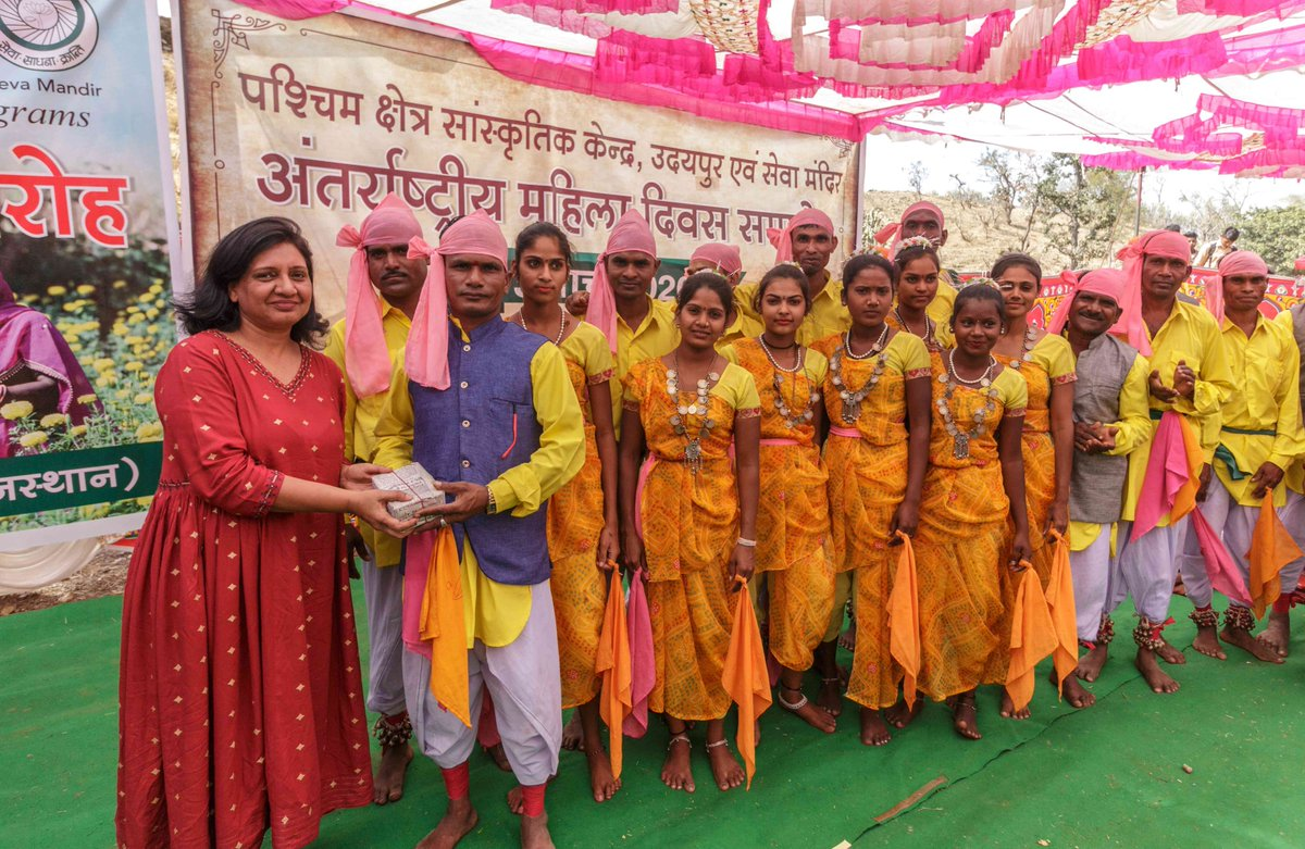 Today, Seva Mandir and @ColgateIndia held an early celebration for International Women's Day in Kegra village with over 200 women from rural and tribal communities. The event also introduced a new project on financial digital literacy.   #EachForEqual #IWD2020 https://t.co/KinDCtO8pR