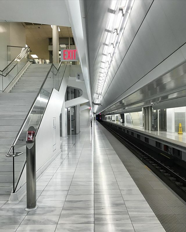 #cleanlines at the #pathstation #wtc #morning #1pointperspective https://t.co/41wZkymZ7m https://t.co/FNxgcBOHaq