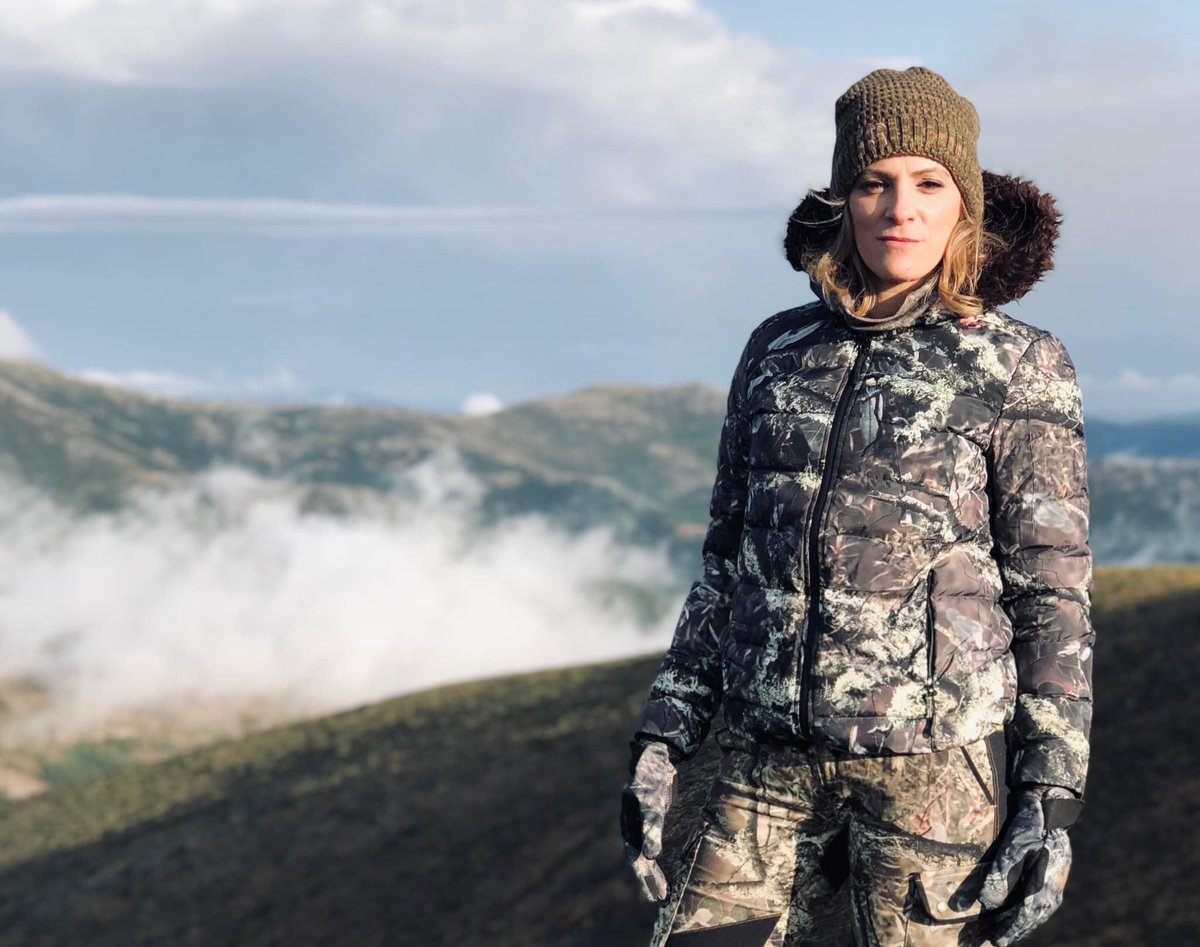 ..el 90% del éxito se basa simplemente en insistir..(W.A) #pasionmorena #caza #modacaza #stylehunters #outdoors #chasseresse #hunter #cazamayor #cazadora #womanhunter #mujercazadora pic.twitter.com/yDlqh8bGKS