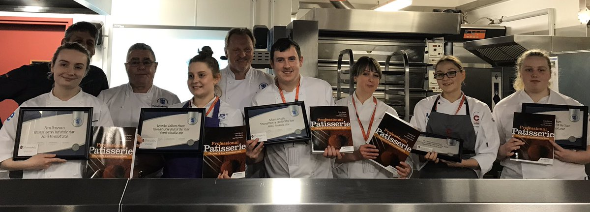 Fab time at Sheffield College today at one of the 3 MCGB Young Pastry Chef Of The Semi finals. Great to meet all the young chefs, their mentors & families, congratulations to Lourdes Callum Shaw from Kings College and Chloe Hammond from MK College for gaining a place in the final https://t.co/VH4utozoMh