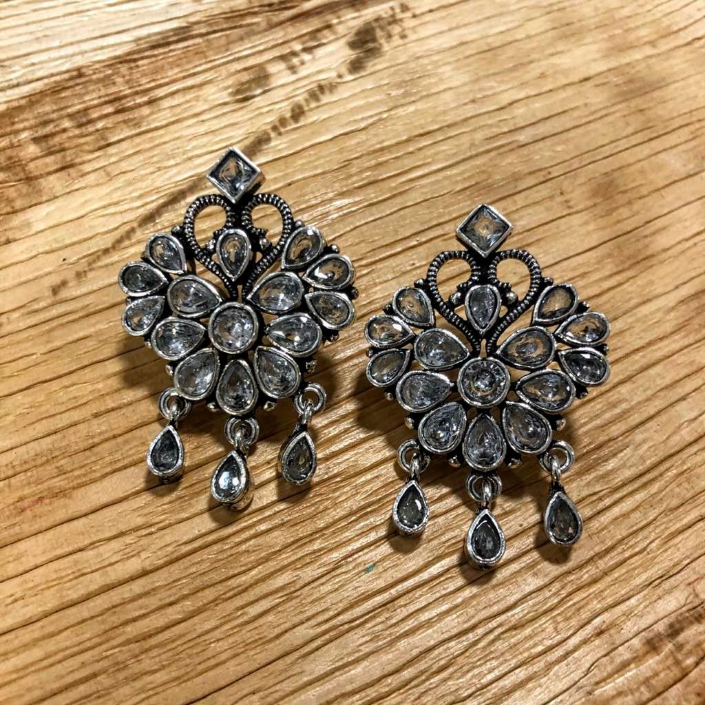 Traditional Oxidised Stud Earrings  #fashion #oxidisedearrings #stone #earrings #studs #studearrings #traditional #ethnic #ethnicwear #shopping #classic #style #wearyourstyle #indianwear #ladieswear #womenswear #fashionjewelry #womensfashion #womensaccessories #womensjewellerypic.twitter.com/J53ugIdTrO