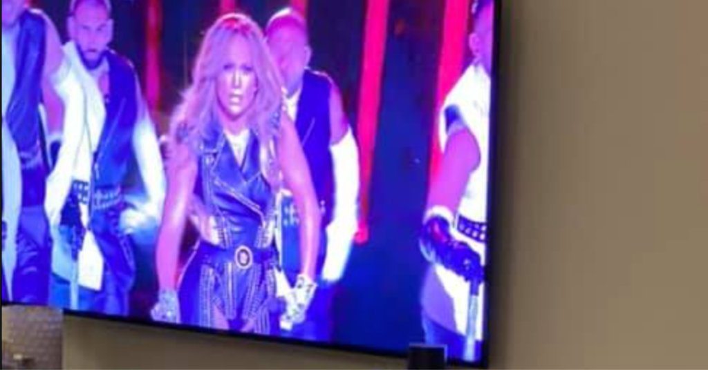 How the Super Bowl JLo and Shakira Halftime Show is Connected with the #MeToo Movement  Read more 👉   #halftimeshow2020 #halftimeshow #MeTooMovement