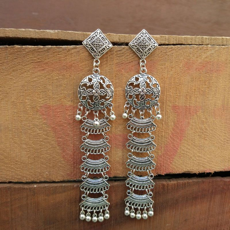 Lightweight Long Oxidized Silver Earring   Rs. 275 .. #chandbali #earrings #earring #oxidisedearrings #meenakariearrings #jewellerymanufacturer #jewellery #fashionjewellery #indianjewellerywholesaler #indianjewellery #immitationjewellery #fashioncrab #germansilverearringpic.twitter.com/2g4G4xp60e