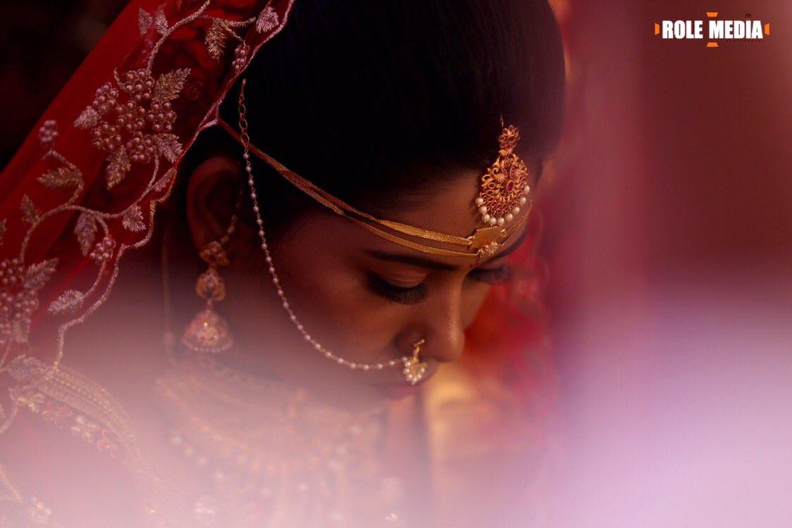 Bride is the one with the hope in her eyes towards her journey in a newly tied knot. Contact now to click your bride beautiful:9160995995 . . . #pellikuthuru #pellipoolajada #indianwedding #indianweddingdress #indianweddingdress #indianwears #indianweaves #indianweddingbuzzpic.twitter.com/RaTJfiFui1