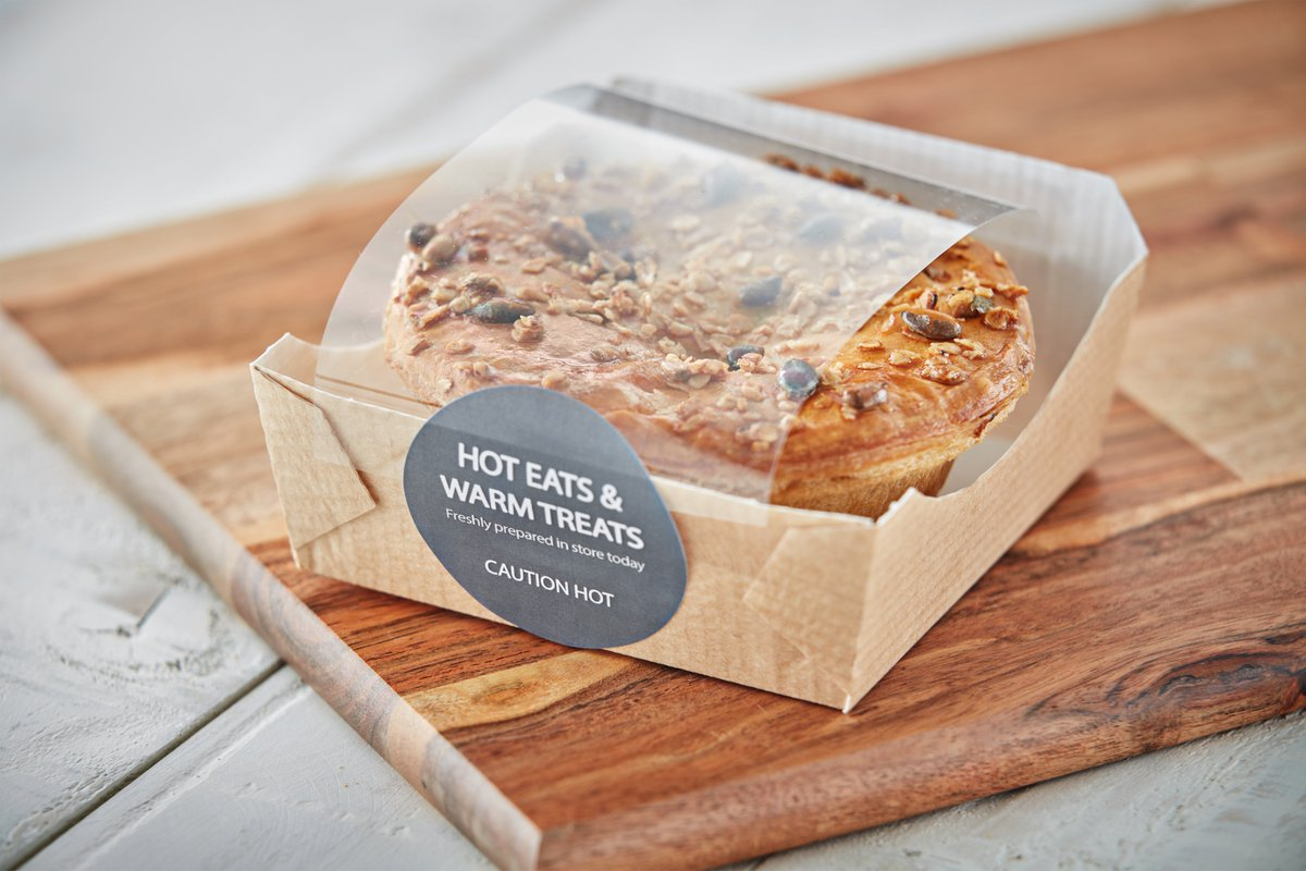 This weeks #BritishPieWeek! We've been eating pies since the mid 18th century. Our choice... fresh from our Flexeserve Zone®. A hearty sweet potato and feta filling topped with flaky puff pastry and sprinkled with mixed seeds. What's your favourite pie? #flexeserve #wearehot https://t.co/gaxMiTfak6