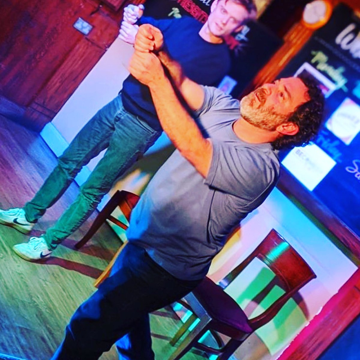 mprov Comedy Tonight at The Hollywood Arms from @kidsmokersimprov! No ticket required, swing by for some unplanned hilarity! #sw10 #chelsea #improv #comedy #whattodoinchelsea #whatson #comedynight https://t.co/EbaHHx6tZ1