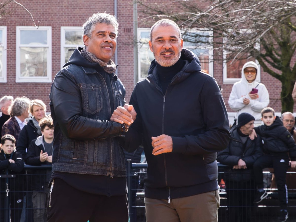 Had a blast with the @JCFoundation opening up our own Cruijff Court together with Frank Rijkaard ❤️. Allowing the kids to expres themselves through football is incredibly important! ⚽️ https://t.co/JSE93wum8z