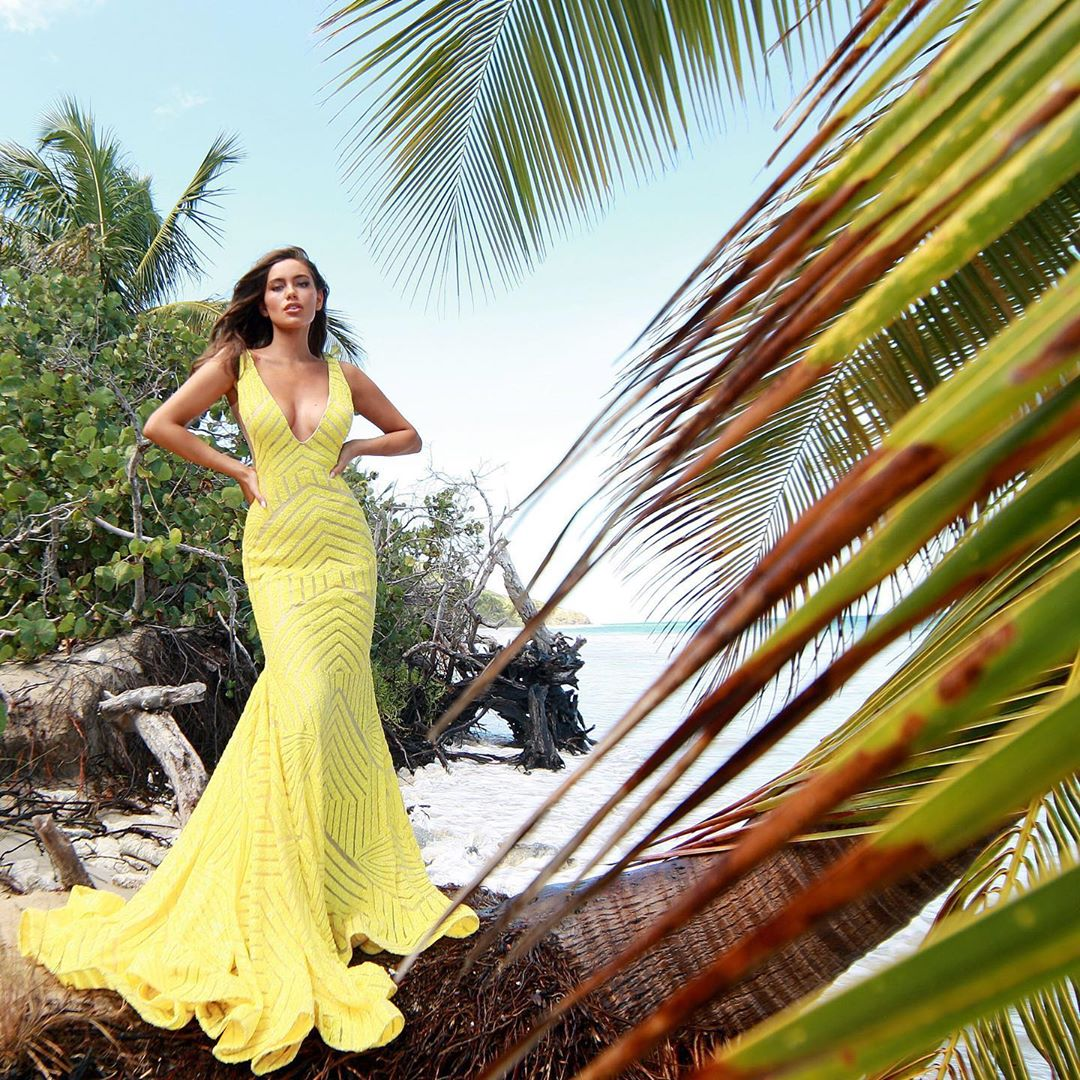 Tropical vibes in sunny yellow sequins! 🌴☀️ #Jovani #59762    Buy it here ➡️ https://t.co/r9AM5E7GCx https://t.co/acysqLwKpd
