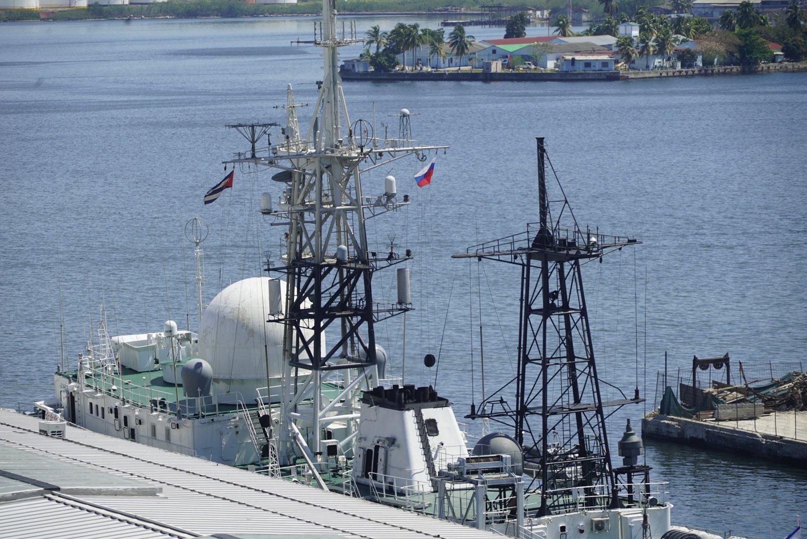 Russische Spionageschiff im Hafen von Havanna | Bildquelle: https://twitter.com/CNN_Oppmann/status/1235267907178958862 © Patrick Oppmann / Twitter | Bilder sind in der Regel urheberrechtlich geschützt