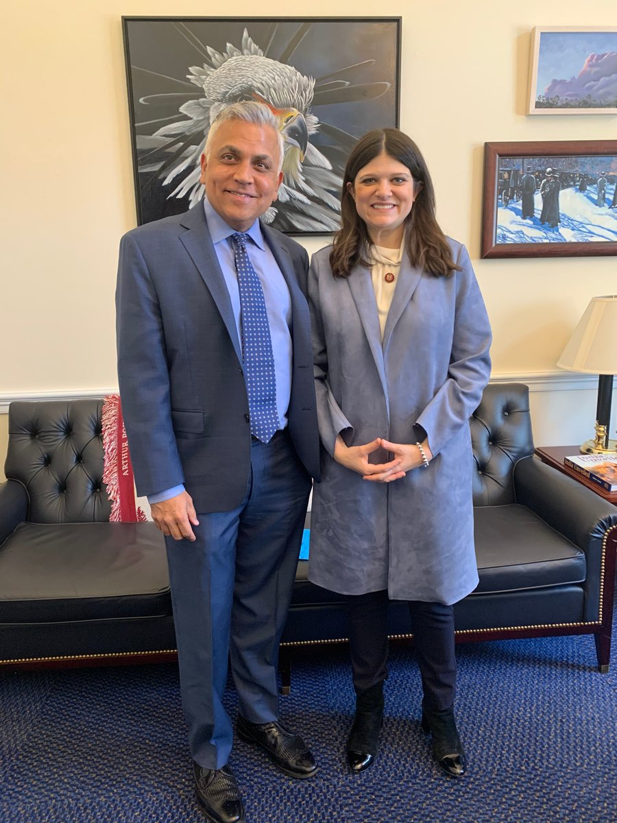Our Digital Industries President Raj Batra recently met with Michigan @RepHaleyStevens to talk about how small- and medium-sized manufacturers can get started with #digitaltransformation. We're proud to have more than 1,000 employees across the Wolverine State. #TeamSiemens https://t.co/i5bLeuPq3a