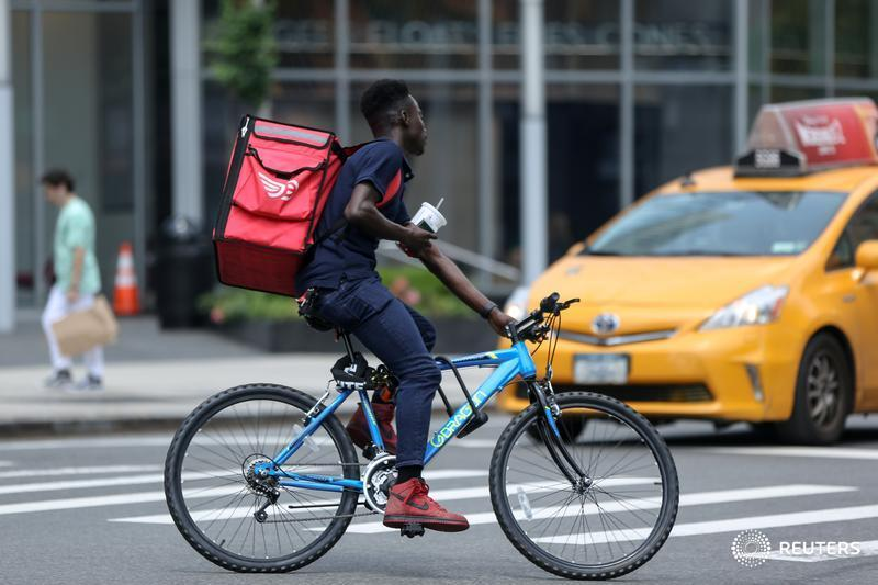 Food-delivery service DoorDash has filed for an IPO. Owners will have to come to a reckoning on its lofty valuation, write @jennifersaba and @GinaChon. https://t.co/SIVoIX6ede https://t.co/TqekaFMTDH