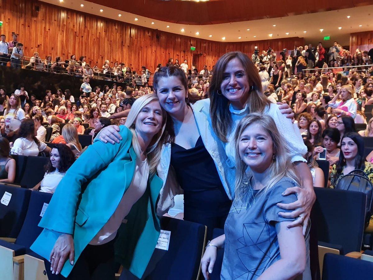 Acompañamos a @alferdez en la inauguración de #NosotrasMovemosElMundo en @elCCKirchner.  Es un gran orgullo que hoy las políticas de género sean una prioridad en todos los niveles de Gobierno. https://t.co/EpOYGcnH5B