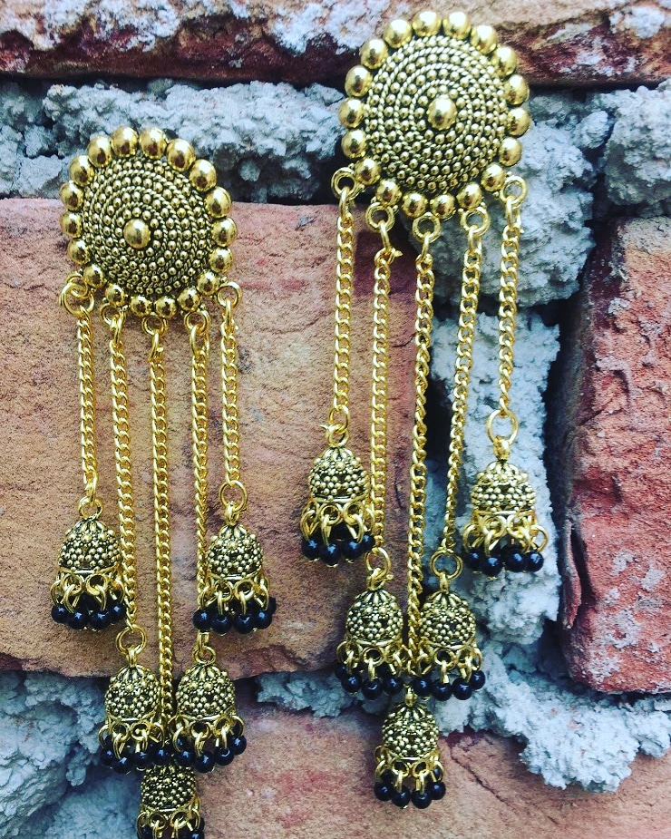 Layerd earrings sold...    #jhumka #oxidisedjewellery #earrings #oxidisedearrings #jhumki #mirrorearrings #oxidisedjhumkas #germansilverjhumka #jhumkilove #germansilverearrings #bridaljewellery #chennai #chandbali #mumbai #fashion #necklace #kundanjewellery #jhumkis #bhfyppic.twitter.com/BmSRgXZqPi