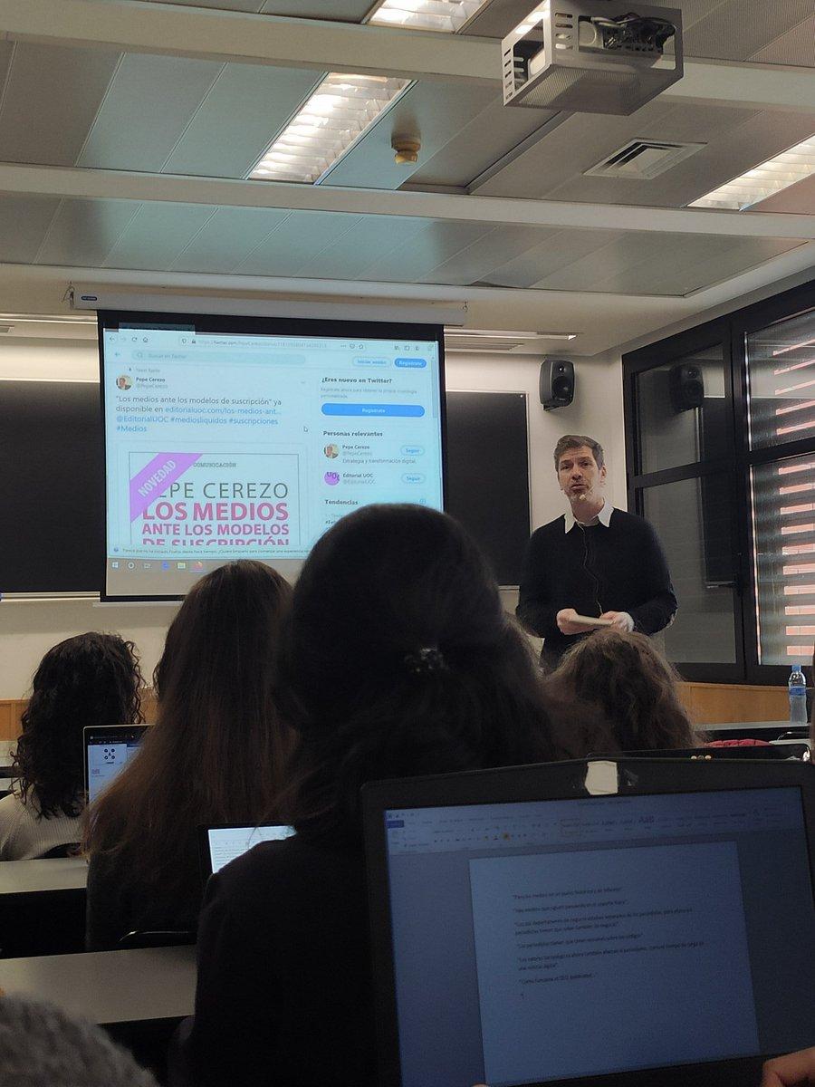 """Hoy tenemos el placer de asistir a la charla de @PepeCerezo en la @uc3m.   """"Los medios ante los modelos de suscripción"""" es su último libro.   #PeriodismoAlDía #PeriodismoUc3m"""