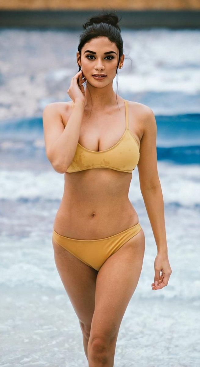 Pia Wurtzbach Swimsuit Photo