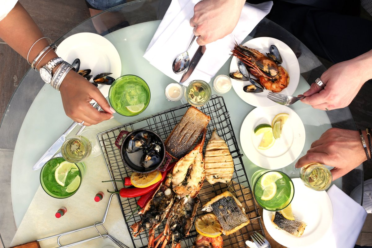 Can you fight the craving? Take the Seafood  Challenge at Afya beach.  4 hours of unlimited seafood delights every Thursday at AED 141 from 6.30pm.  تحدي الماكولات البحرية في عافية . 4 ساعات غير محدودة من المأكولات البحرية كل خميس من الساعة 6:30 م ب 141 درهم إماراتي . https://t.co/8nDpQdeIbF
