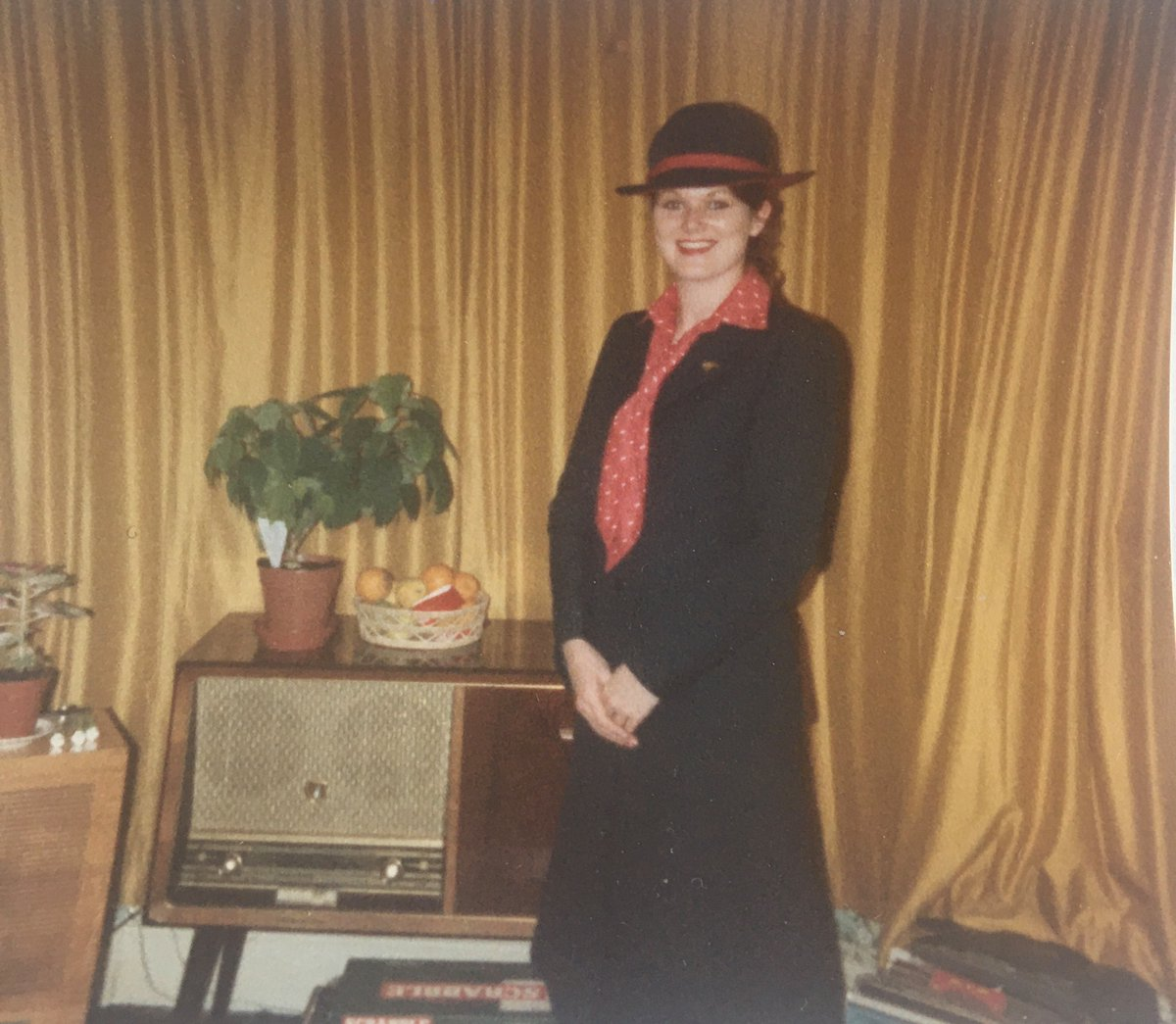 Huge congrats to our colleague Helen, who recently celebrated an incredible 40 years with TUI Airways. Her many career highlights include being the Cabin Manager on the first 787 Dreamliner flight from Manchester to Orlando ✈️#tbt #LifeAtTUI #Amazing https://t.co/ut2jgz4caR