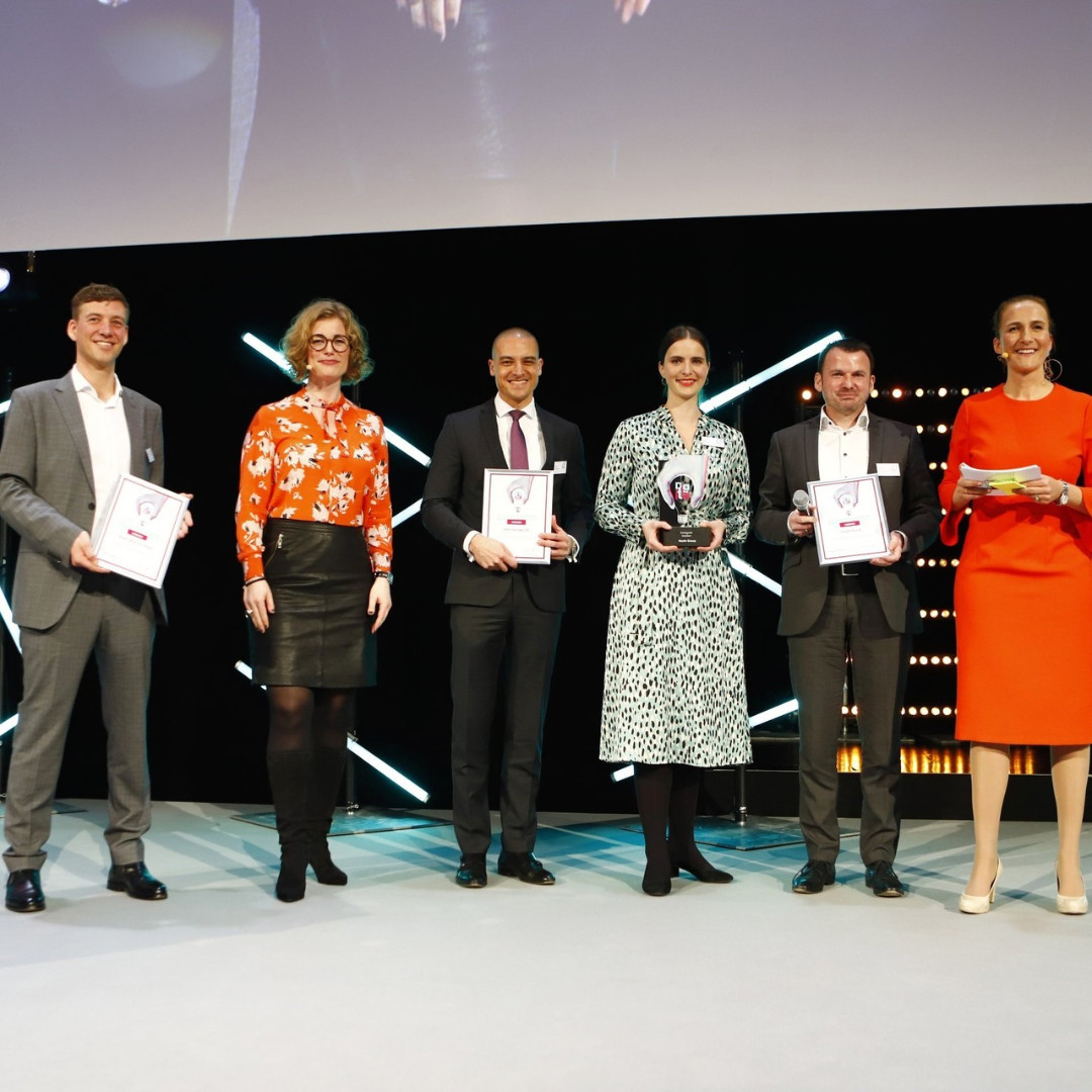 🏆 We are Digital Transformer of the Year! Due to our willingness to contribute to change, the Haufe Group was awarded the DToY award for the second time yesterday. 🥳  #haufegroup #DToY #digitaltransformer #transformation #welovequestionmarks  Photo Paul Knecht / storytile https://t.co/0kE81KyuCY