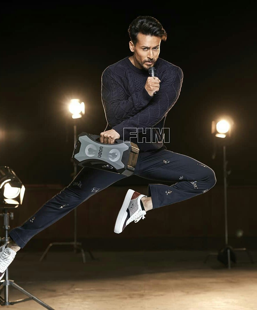 The rebel is back and he is here with a cause! @iTIGERSHROFF  : @avigowariker  Speaker courtesy: Ubon  #march #march2020 #marchissue #marchcoverstars #TigerShroff #SajidNadiadwala #Baaghi3 #actionstar #menslifestyle #mensmagazine #fhm #fhmmagazine #fhmcover #fhmindiapic.twitter.com/iYyWqBK8rG