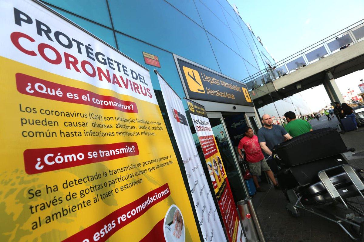 AHORA │ Desde el Aeropuerto Internacional Jorge Chávez, el #Minsa intensifica la difusión de información con medidas preventivas para proteger la salud de ciudadanos y turistas del #COVID19. https://t.co/T9G9qsIrDH