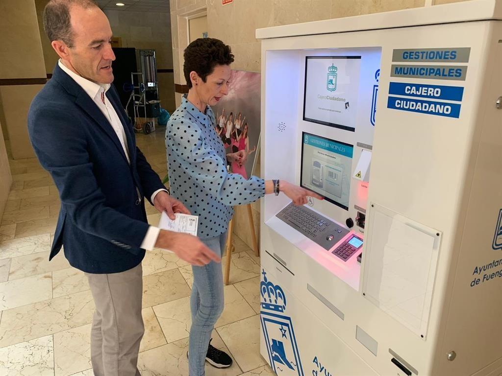 Fuengirola (Málaga), primer Ayuntamiento Andaluz en tener un cajero ciudadano que permite a los vecinos pagar tributos municipales y emitir volantes de padrón. Queremos agradecer la confianza depositada por parte del @Aytofuengirola2  en @SepaloSoftware.https://t.co/tDo4Ex5RWF